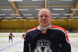 Erland Lycke blev tränare mest av en slump, dottern spelar i Vansbros tjejlag.