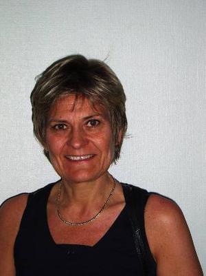 """Nina Fållbäck-Svensson, till vänster, har utsetts till biträdande landstingsdirektör. Det får den politiska oppositionen att rasa. """"Omdömeslöst"""", säger Centerns Marianne Larm Svensson."""