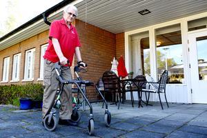 83-årige Harry Persson vid Skottsundsbackens äldreboende menar att kaoset inom landstingspolitiken skapar oro hos många äldre som blir rädda för att bli sjuka och hamna på sjukhus.