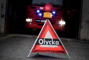 En man i 70-årsåldern omkom i den allvarliga trafikolyckan i Överhogdal på fredagen.