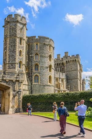 Det medeltida Windsor Castle är ett givet turistmål.   Foto: Victor Kiev/Shutterstock.com