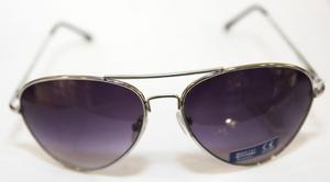 Guldig pilot. Pilotbrillorna fungerar även i år. De här får du för 95 kronor cb964fbe8acfb