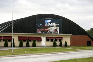 Esab-hallen heter från och med nu Laxå-hallen och är sponsrad av företaget Laxå special vehicles.