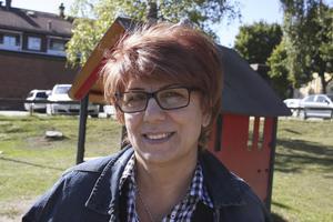 Anna Poghosyan, 50 år, konditor, Fagersta: – Ja, till min blodtrycksapparat. Annars gör jag inte det. Jag törs inte ifall det inte stämmer. Jag bokar en läkartid.