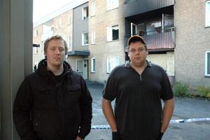 VITTNEN. Markus Smedberg och Erik Wik bor grannar med lägenheten som brunnit.