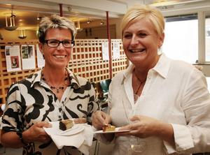 GävleTidningars Carina Tibblin och Agneta Edin minglade.