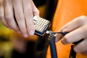 En laddare för alla mobiltelefoner kommer nästa år.
