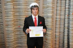 Daniel Viklund fick ett stipendium från Team Sportia och Gävle IF för bästa avgångselev från fotbollsgymnasiet.
