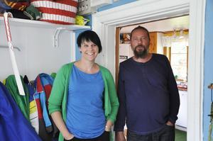 Cecilia och Daniel Sundberg, Brynäs, Gävle, tycker att de genom åren fått bra hjälp med sonen Pelles sjukdom