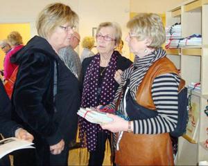Ulla Modén, Marianne Stålberg och Monika Sunding i köptagen.