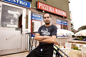 Wisam Alkhamees är redo att servera pizza och öl till festivalbesökare. Både uteserveringen och utstkänkningstillståndet är nya och ska locka ännu fler festivalbesökare än tidigare år.