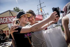 Gudrun Schyman och Feministiskt initiativ, som inte ens kunde få ihop en lista till landstingsvalet, har plötsligt börjat intressera sig för sjukvården i Ådalen.
