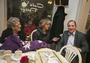 Ester Bodin och Maggie Göransson, mamma respektive syster till Stefans bästa vän Per Bodin, fanns med på Café Petter.