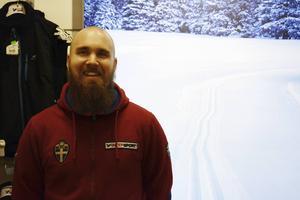Timo Vouti är en inbiten löpare och låter inte minusgraderna stoppa honom från att ge sig ut i löpsåret.