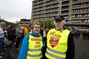 Från föreningen Sollefteå Framtidens Akutsjukhus var bland annat Kerstin Brandelius och ordförande Nils-Gunnar Molin på plats utanför sjukhuset.
