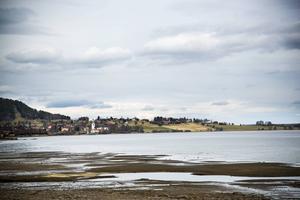 Här någonstans, i Storsjön strax norr om Svenstavik, kan spökraketen ha slagit ner. Militärens sökande efter rester av raketen var resultatlöst. Foto: Stefan Nolervik