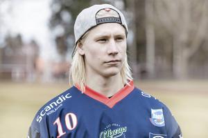 Björn Hellman hämtades från elitserielaget Kalix inför säsongen. Nyhet slog ned som en bomb i bandy-Sverige och lade grunden till klubbens ytterligare stora nyförvärv.