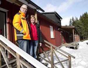 Ingemar Sandehult och Marie Kolbengtsson beskriver sig själva som entreprenörer och har stora visioner för den före detta surströmmingsanläggningen.