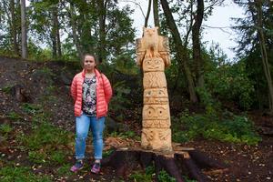 Tabea Wenzel är elev på Bredsands skola och ritade förlagan till totempålen.