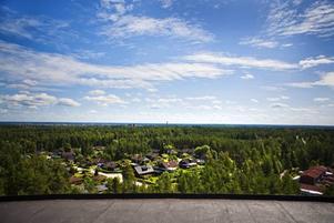 En klar dag går det att se ända bort till Kungsberget från vattentornet.