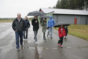 Regnet satte stopp för flygandet när klubben höll öppet hus för allmänheten.