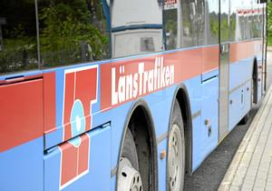 Busstrafiken i länet är ett omdiskuterat ämne.