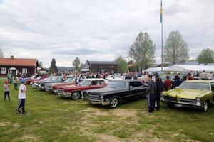 Ett 40-tal bilar samlades på hembygdsgården