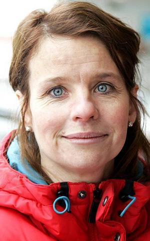 Anneli Jonasson,39 år, Nälden:– Ja till barnen då kanske, till Adam som är 13 och Evelina som är 10 år. Det är snälla och duktiga. De lagar mat ibland, men städningen är det väl si och så med.