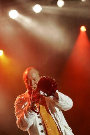 Nisse Landgren öser på till långt inpå natten med sitt band Funk Unit.Foto: Mats Andersson / SCANPIX
