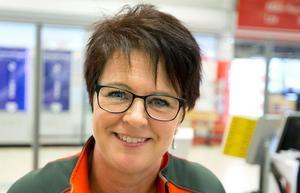 Helen Kempe, 46, Västerås:- Jag tycker att det är bra med små påsar. Hädanefter kommer jag att välja dem när jag handlar lösgodis.