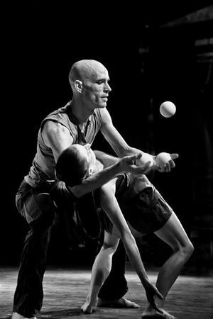 Dansföreställningen TANGRAM med Stefan Sing och Cristiana Casadio