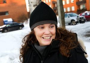 Camilla  Abrahamsson, Stockholm–Nej, vår dotter är bara sju månader så hon är lite för ung för att uppskatta tomten än. Men nästa jul kan det säkert bli dags för tomten och då blir det nog farfar som får rycka in.