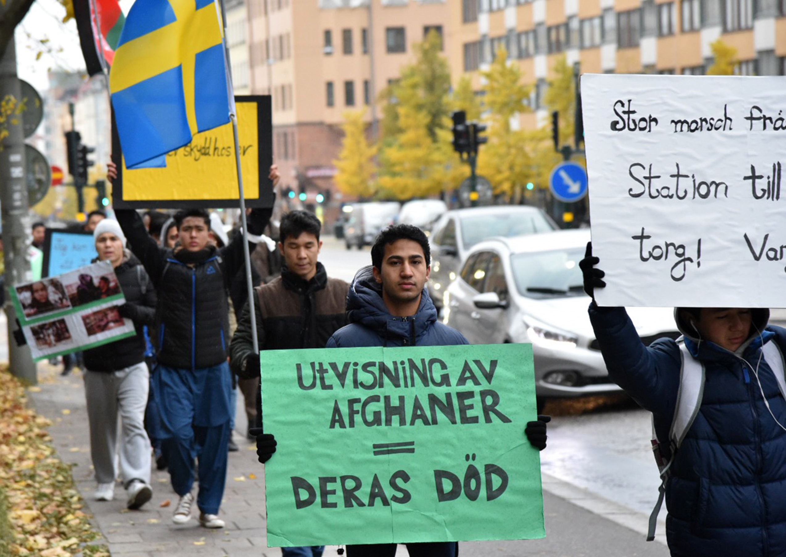 Lattare fa asyl for unga flyktingar