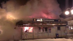 Centrumkiosken brann ner under natten mor tisdagen.