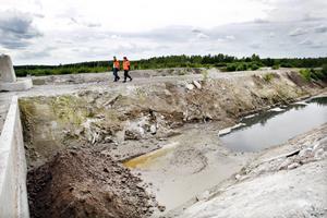 – Om något ändå skulle läcka ut från dikena då leds avfallet till ett dike som leder tillbaka till reningssystemet, förklarar Marika Nordin.