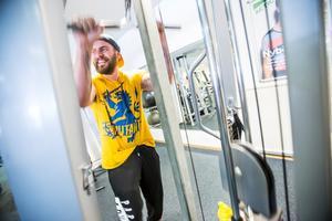 Alexandar Leskinen tränar flera gånger i veckan, och är positiv till att det öppnar fler gym i Södertälje.