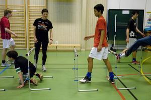 Flera fotbollsspelare tränar också friidrott.