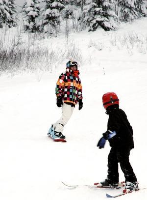 Fartfyllt. Snowboardåkaren Klara Backlöf gillade den nyfallna pudersnön.