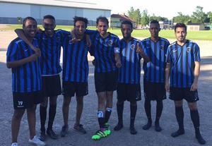 Glada målskyttar efter 16–1 mot Årsunda 2. Från vänster:  Noad Teklai (2), Abdulgadir Abdulgadir (1), Robel Bereket (2), Maytham Falah (6), Abdi Nur (1), Mohaed Awnuur (2) och Diego Puyol Vargas (2).