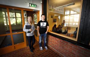 Niondeklassarna Alexander Teurnberg och Cordelia Melén-Olsson tycker att stämningen och studieron är bättre på Hallsta skola. Förut var det ofta skadegörelse på skolan.