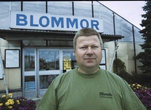 Blomsterhandlaren Staffan Arnström från Örnsköldsvik mördades i sin egen lokal måndagen den 27 augusti 2007.