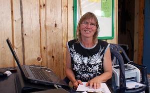 Lena Dyrsmeds är tävlingsledare när Gagnef Floda Brukshundklubb arrangerar tävlingar i agility och hopp med deltagarrekord.FOTO: CHARLOTTA RÅDMAN FRANS