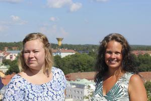 Sofie Ström (till vänster) beskriver utbildningen som något av det bästa hon gjort.