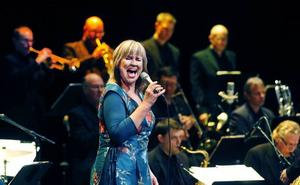 Meta Roos sjöng tillsammans med Sandviken Big Band.