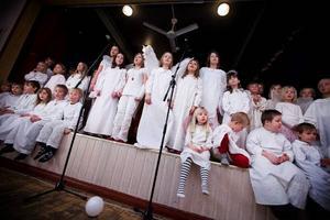 Eleverna på Fjällsta skola spelade upp musikalen Gryningsljus på bygdegården i Fanbyn.