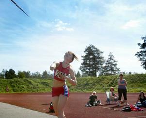 Isabell Gradin från Sundsvall slog till med ett personligt rekord i spjut som går in på Sverigebästalistan.