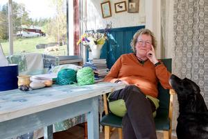 – Jag har varit ordförande i Härjedalens hemslöjdsförening i många år. Det räcker. Jag tycker att någon yngre ska ta över, det behövs nya impulser, säger Kathy Bäck.