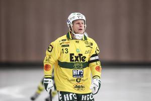 Johan Berglund leder Ljusdals backlinje – oc hdet med framgång. Bara 21 insläppta mål så här långt är lagets facit i den  norra allsvenskan.