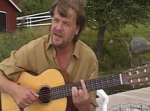Lasse Berghagen är en av flera kända personer i filmen