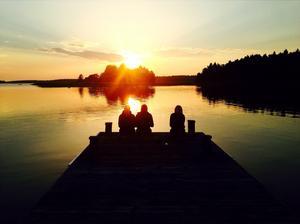 En mysig kväll på Tistronön med fina vänner. Foto Matilda Wijk